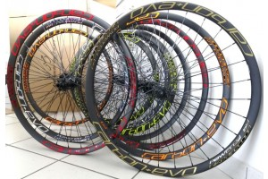 Carbon+-adesivi-cerchi-carbonio-ruote-colorati-Bike-Direction