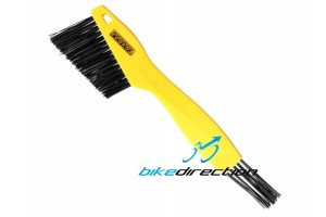 Pedros-Toothbrush-spazzola-pulizia-cassetta-pacco-pignoni-sgrassatore-Bike-Direction