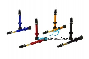 valvole-coniche-colorate-tubeless-mtb-rosse-blu-oro-gold-nere-quaxar-ctk-Bike-Direction